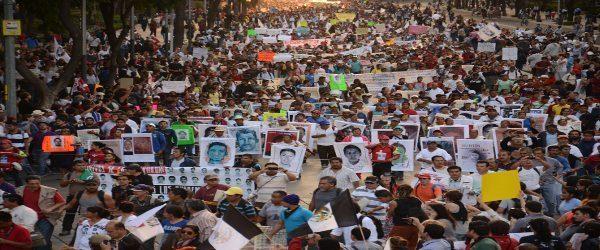 Μεξικό: Η κοινωνία νικά το φόβο και απαιτεί δικαιοσύνη