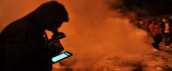 Δικτυακά κινήματα και η νέα «κοινωνική ατμόσφαιρα»