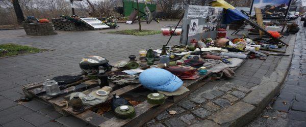 Στο Κίεβο χιονίζει πατριωτισμό