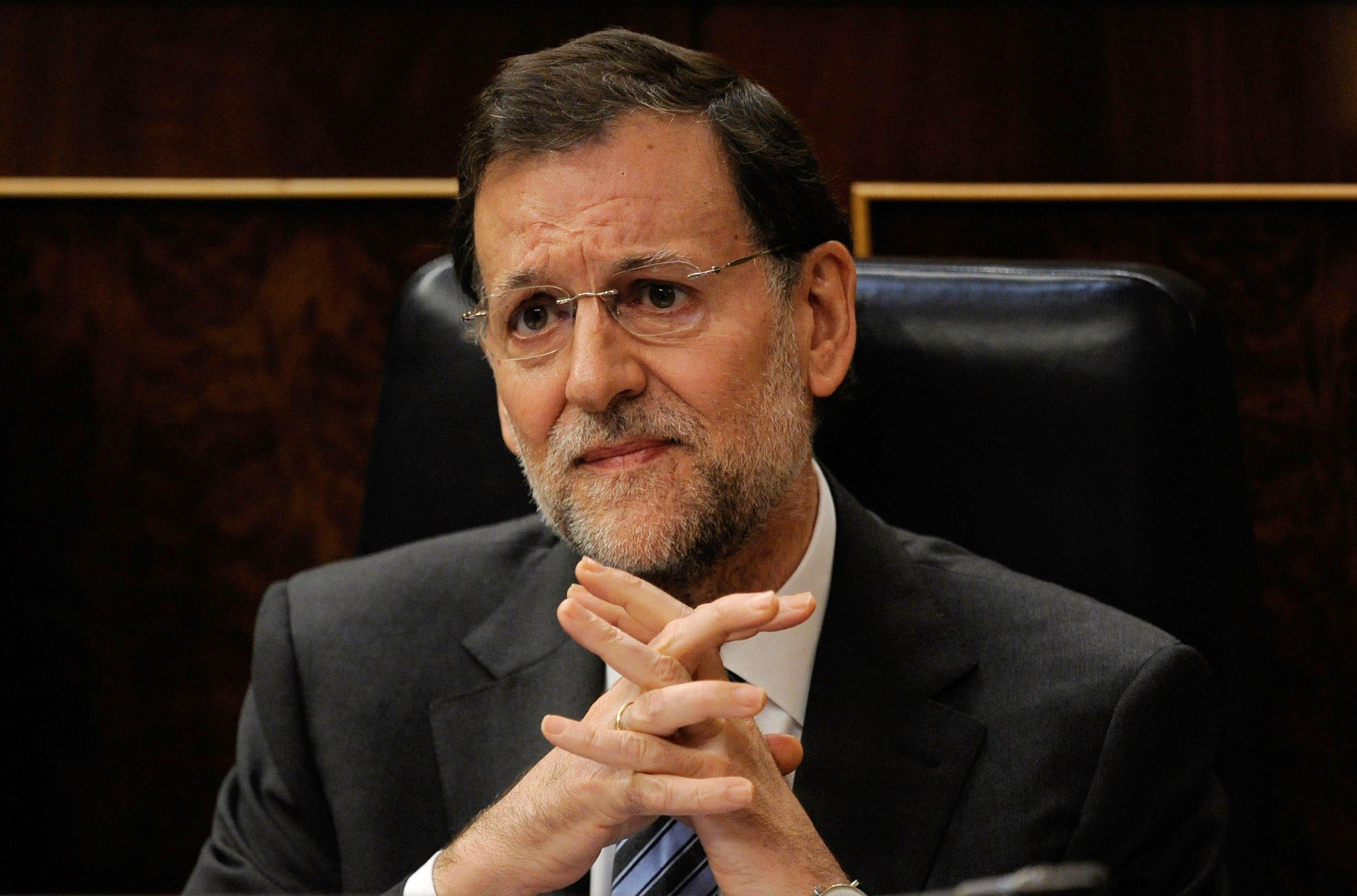 Ο Ραχόι μάλλον δεν περίμενε πολύ καλύτερο αποτέλεσμα για το κόμμα του. Έλπιζε όμως ότι θα διασωθεί χάρη στους Ciudadanos, οι οποίοι δεν τα κατάφεραν. Τα δύο πιο αξιόπιστα «χαρτιά» του βαθέος ισπανικού κράτους και της ευρωκρατίας τσαλακώθηκαν αρκετά σ' αυτές τις εκλογές.