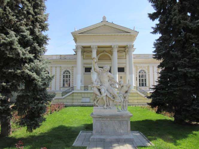 Το Αρχαιολογικό Μουσείο της Οδησσού σε ένα από τα ωραιότερα κτήρια του Γρηγορίου Μαρασλή, με το Σύμπλεγμα του Λαοκόωντος…