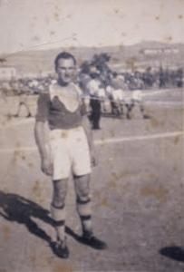 Ο ποδοσφαιριστής του Παύλου Μελά Κατοχής, Κώστας Χατζής. (Αρχείο συγγραφέα)