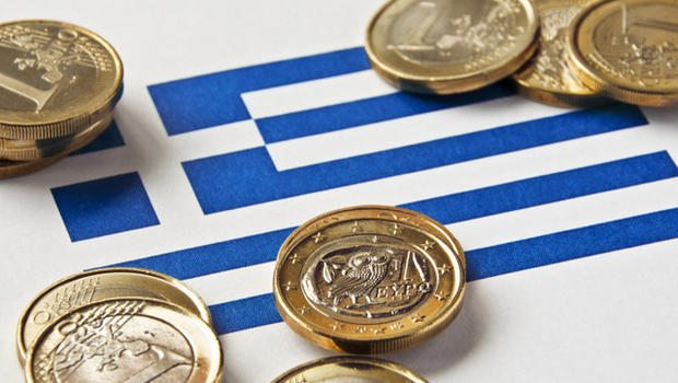 https://www.e-dromos.gr/wp-content/uploads/2016/07/Greek_Flag_and_Euros_000017692476Small.jpg