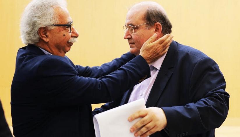 Οι δηλώσεις αλληλοεκτίμησης και οι αναφορές στο κοινό κομματικό παρελθόν από τους Γαβρόγλου και Φίλη κατά τη διάρκεια της τελετής παράδοσης – παραλαβής στο υπουργείο Παιδείας, δεν μπορούν να κρύψουν τα αλληλομαχαιρώματα και τους προσωπικούς σχεδιασμούς