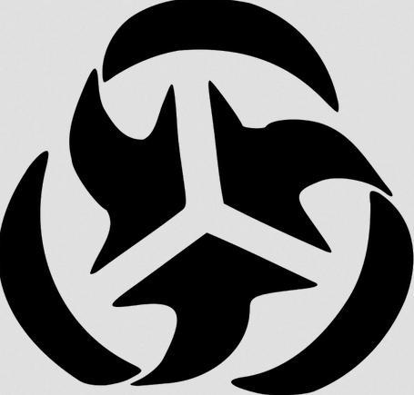 Αυτό είναι το σύμβολο της «Τριμερούς Επιτροπής», η οποία το 1973 ιδρύθηκε με πρωτοβουλία και χρηματοδότηση του Ροκφέλερ και στην οποία έκτοτε συμμετέχει το ανφάν γκατέ των διεθνών ελίτ. Στα πορίσματα μιας έκθεσής της, που συντάχθηκε το 1975 και κατακεραυνώνει τη δημοκρατία, βρήκε επιχειρήματα ο Ρέντσι για τη συνταγματική «μεταρρύθμιση» που προωθεί… Στους συντάκτες της έκθεσης περιλαμβάνεται και ο μάλλον άγνωστος τότε Σάμιουελ Χάντινγκτον, ο συγγραφέας της αντιδραστικής «Σύγκρουσης Πολιτισμών».