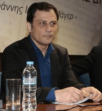 Ο δήμαρχος Ν. Φιλαδέλφειας Άρης Βασιλόπουλος δήλωσε στη συνέντευξη τύπου ότι υπάρχει φάκελος με πάνω από 600 σελίδες γεμάτες απειλές για τη ζωή του.