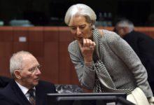 Ένα χάδι και… έξι πετριές από το ΔΝΤ