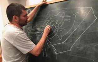 Κάρλος Λατούφ, σκιτσογράφος : «Αν πάψουμε να αντιστεκόμαστε είμαστε ήδη νεκροί»