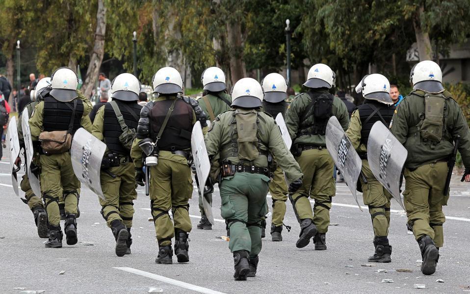 https://www.e-dromos.gr/wp-content/uploads/2017/12/riot-policejpg.jpg