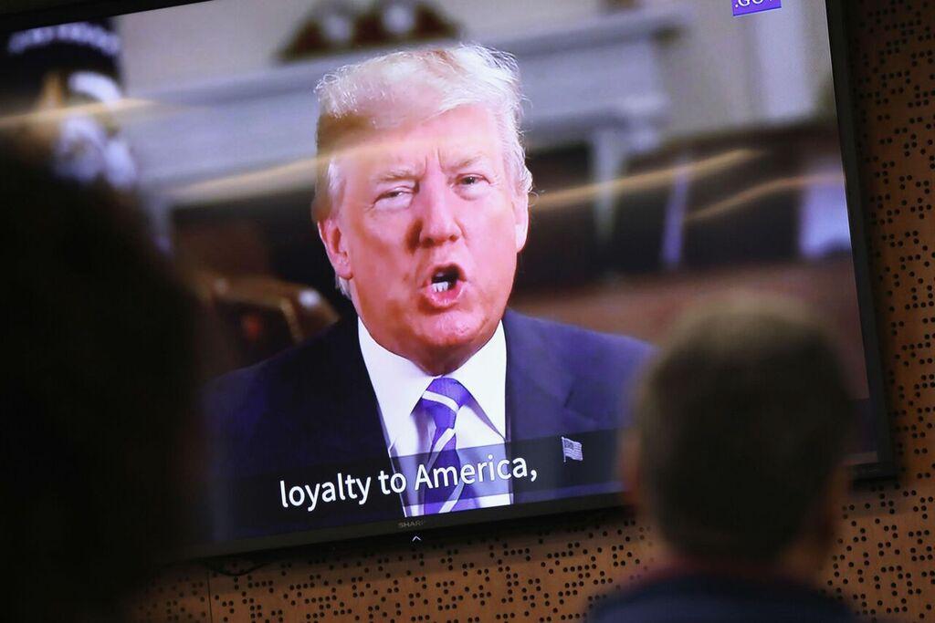 https://www.e-dromos.gr/wp-content/uploads/2018/02/trump-davos.jpeg