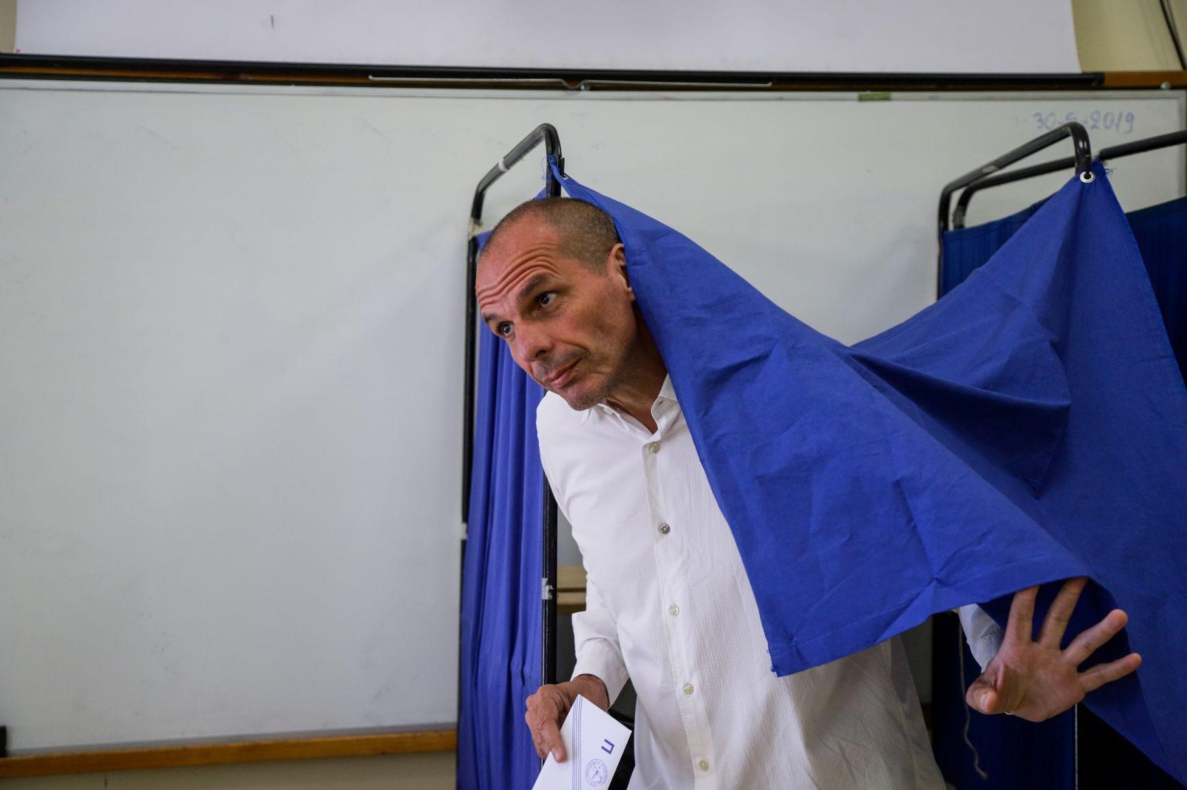 https://edromos.gr/wp-content/uploads/2019/06/varoufakis3.jpg